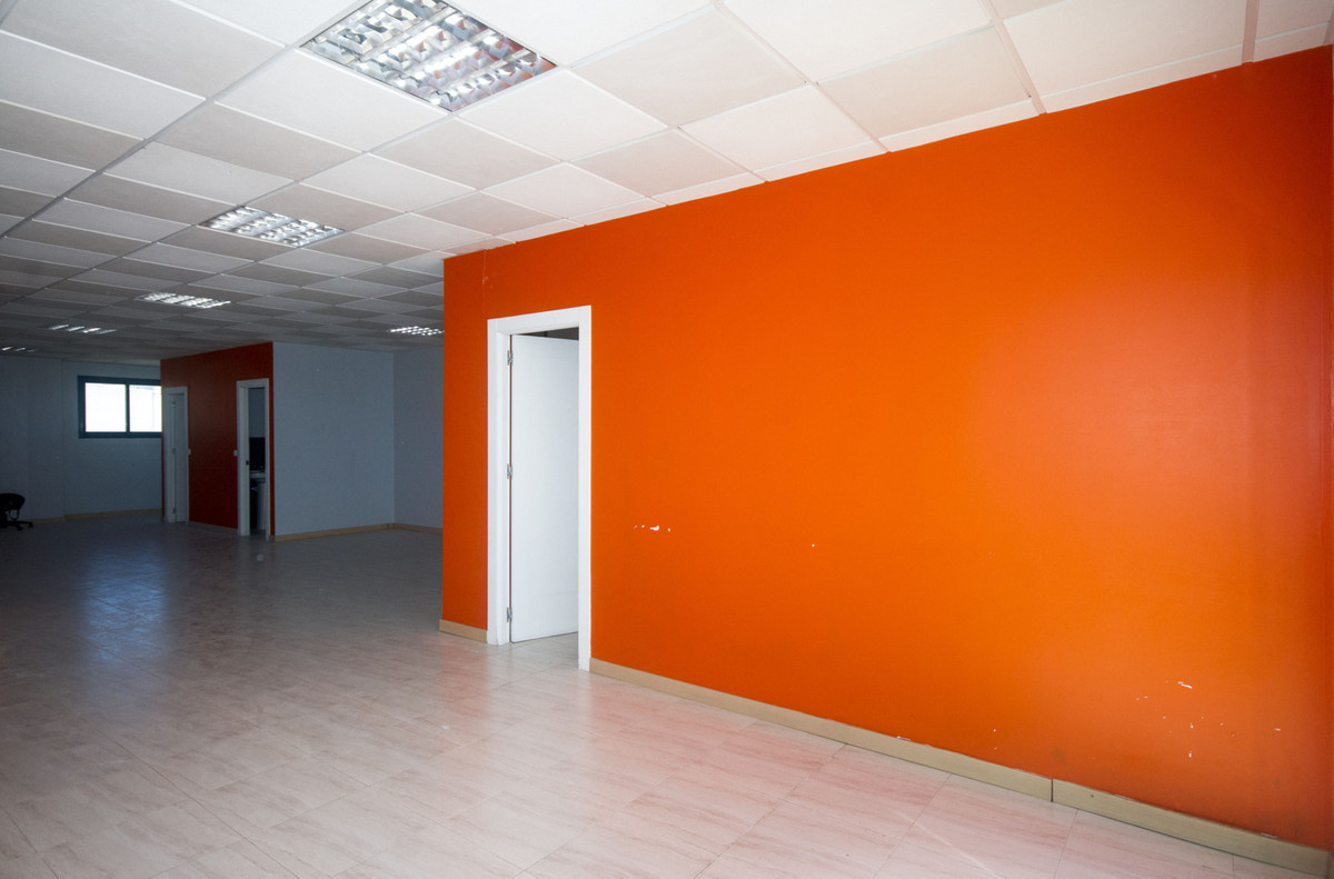 R2932358: Commercial for sale in Torremolinos
