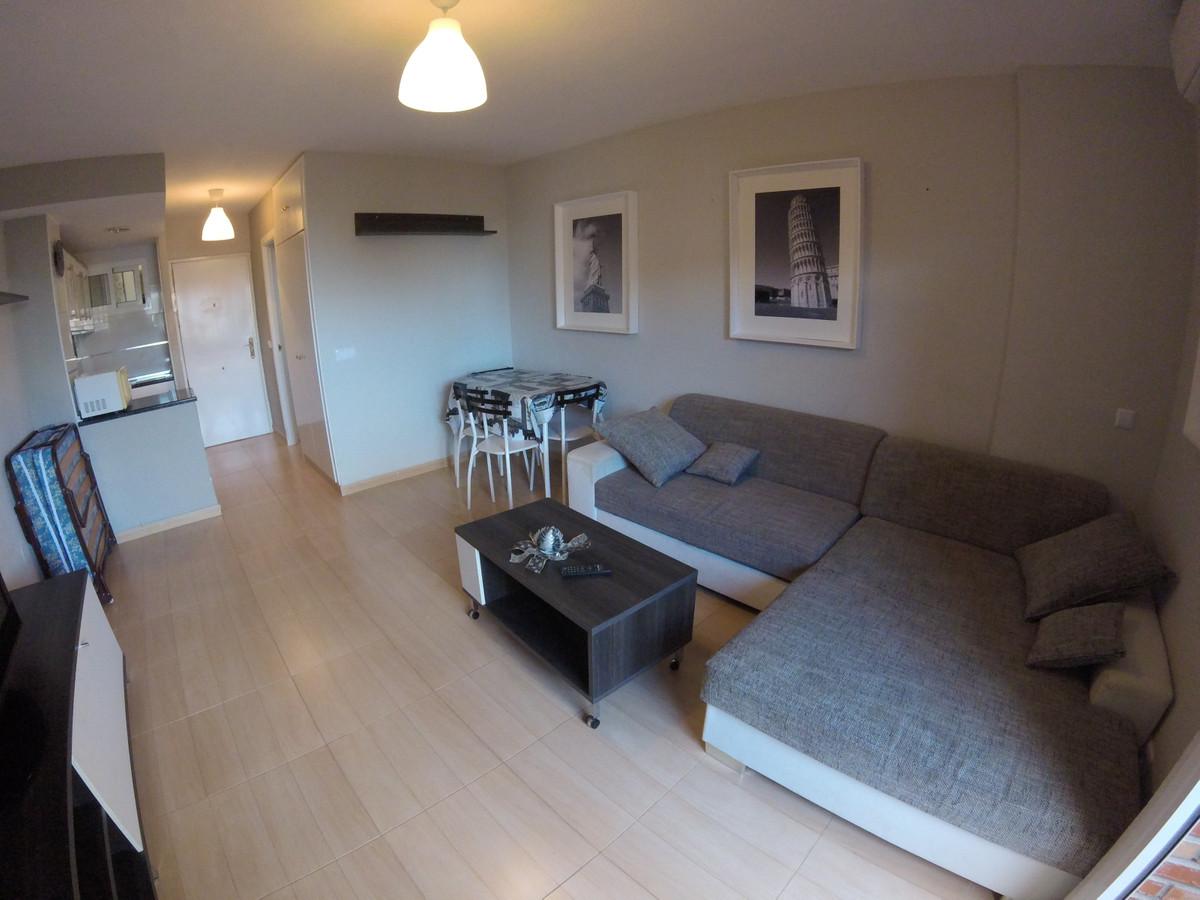 Middle Floor Studio, Benalmadena Costa, Costa del Sol. Built 35 m², Terrace 4 m².  Setting : Town, C,Spain