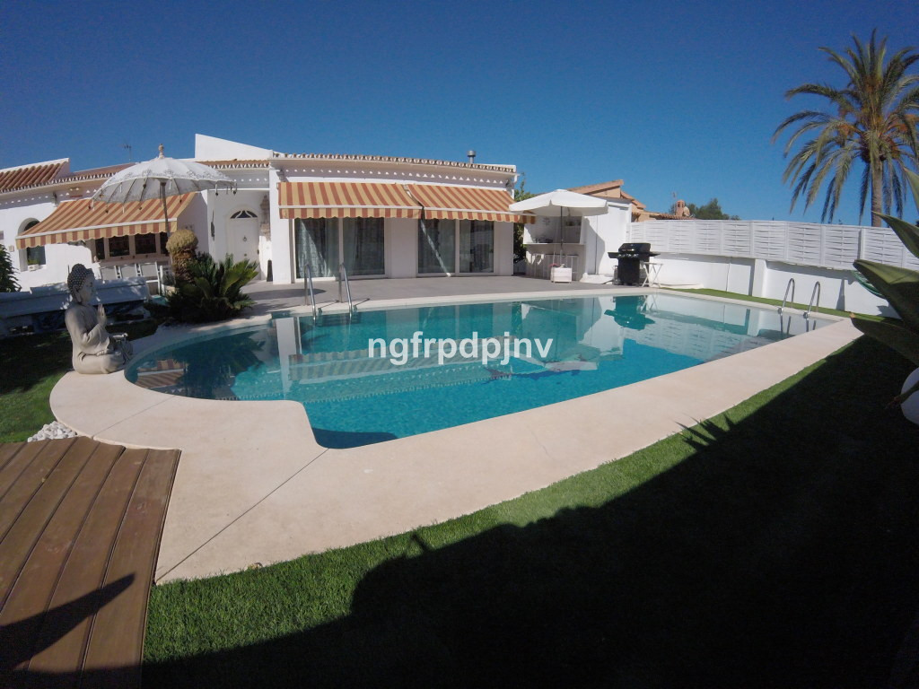 Beautiful villa in Benalmadena, all on one floor without any architectural barrier. The house has ai,Spain