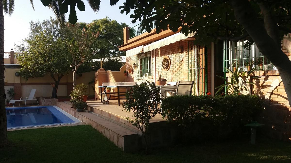 Detached Villa, Torremolinos, Costa del Sol. 2 Bedrooms, 1 Bathroom, Built 85 m², Terrace 30 m², Gar,Spain