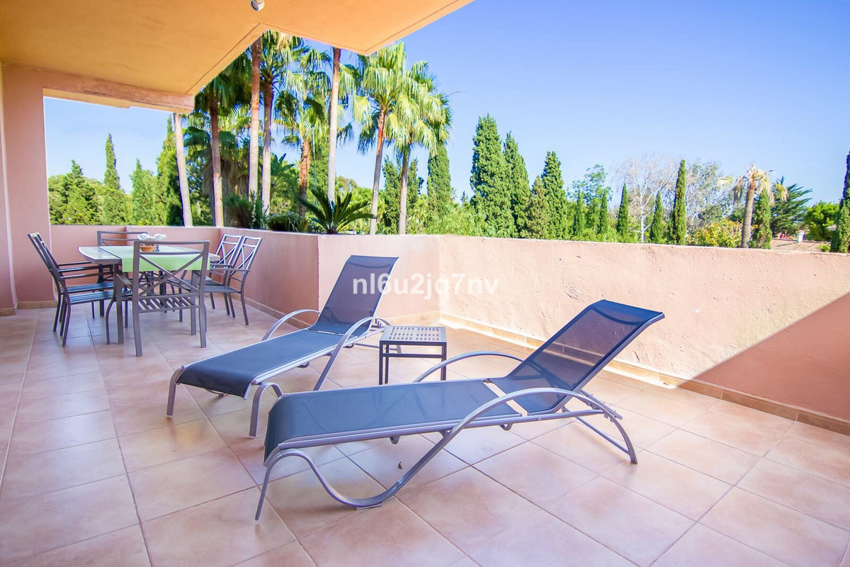 R3679601: Apartment - Middle Floor for sale in Puerto Banús