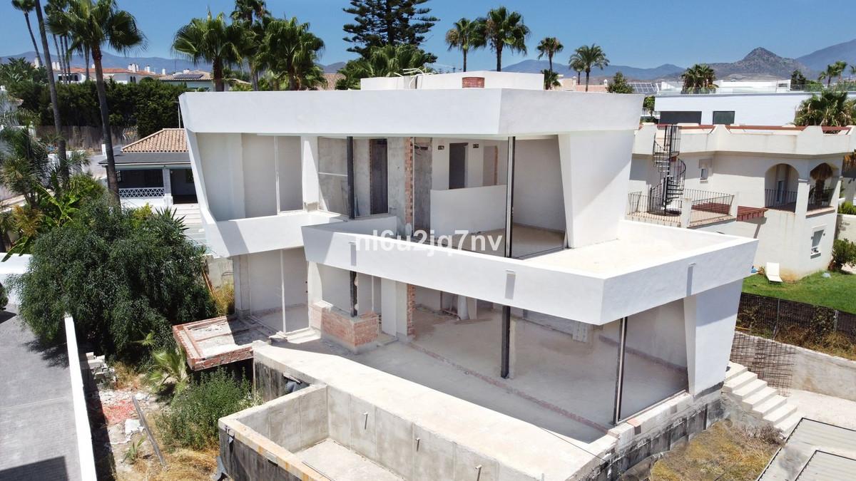 Ref:R3684929 Villa - Detached For Sale in New Golden Mile
