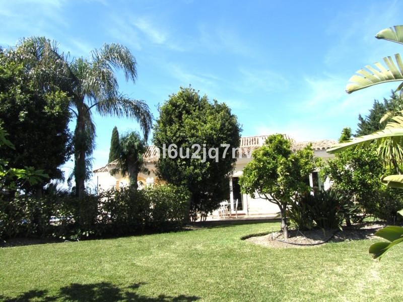 House in Bel Air R2428766 7