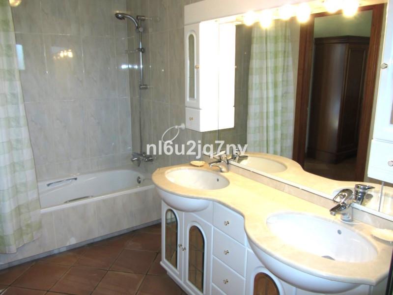 House in Bel Air R2428766 9