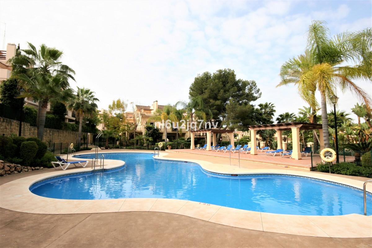Ref:R3518752 Apartment - Ground Floor For Sale in Nueva Andalucía