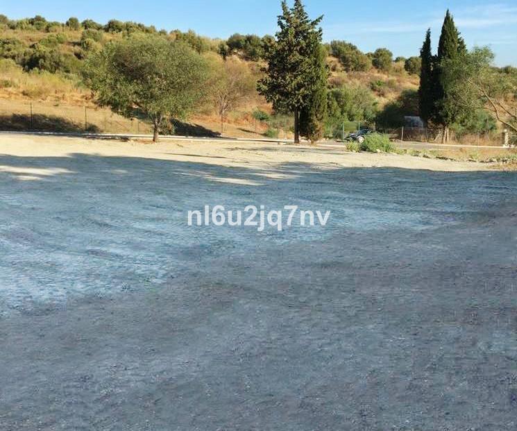 Wohngrundstück zu verkaufen in El Paraiso R2432030
