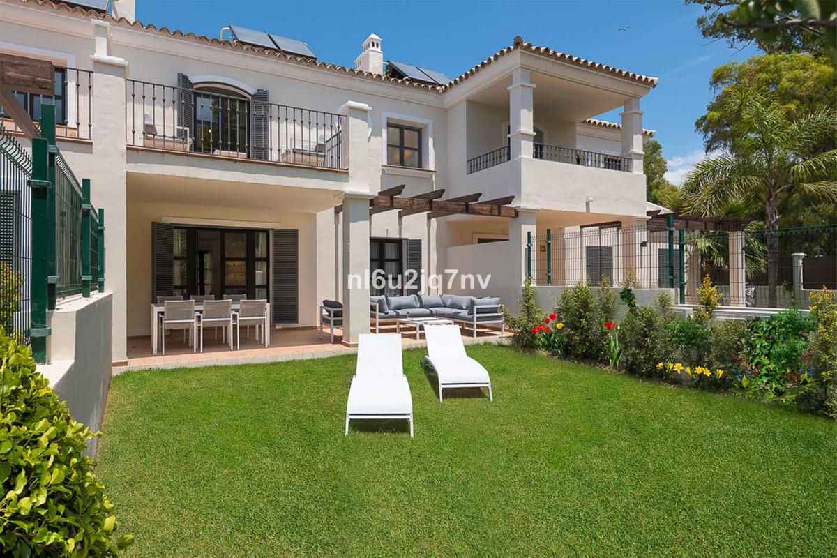 Ref:R3234556 Townhouse - Terraced For Sale in Guadalmina Baja