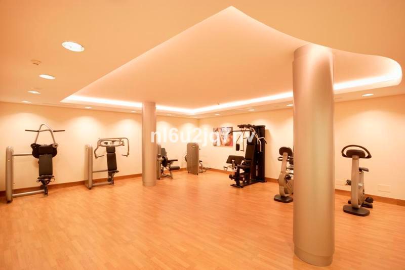 R2482514: Apartment - Middle Floor for sale in Altos de los Monteros