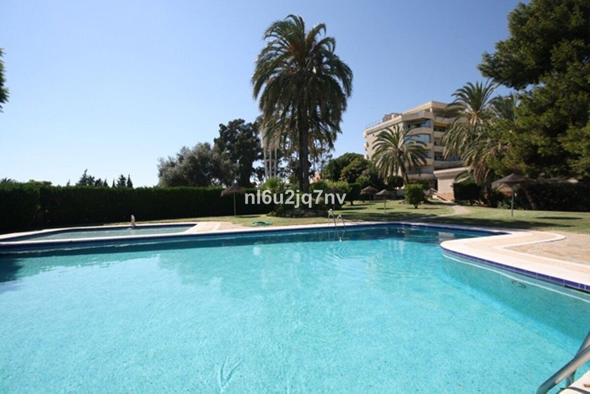 R3202396: Apartment in Estepona