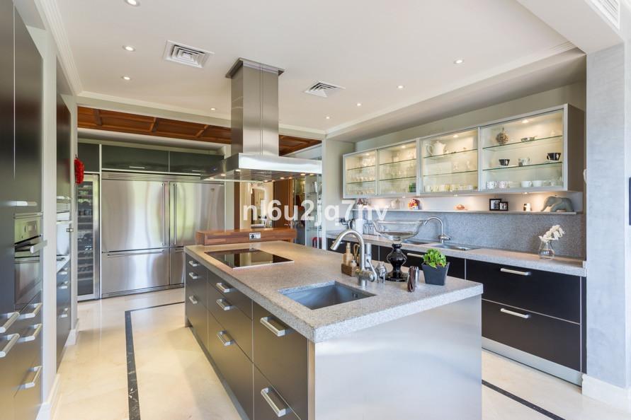 House in Benahavís R3206371 9