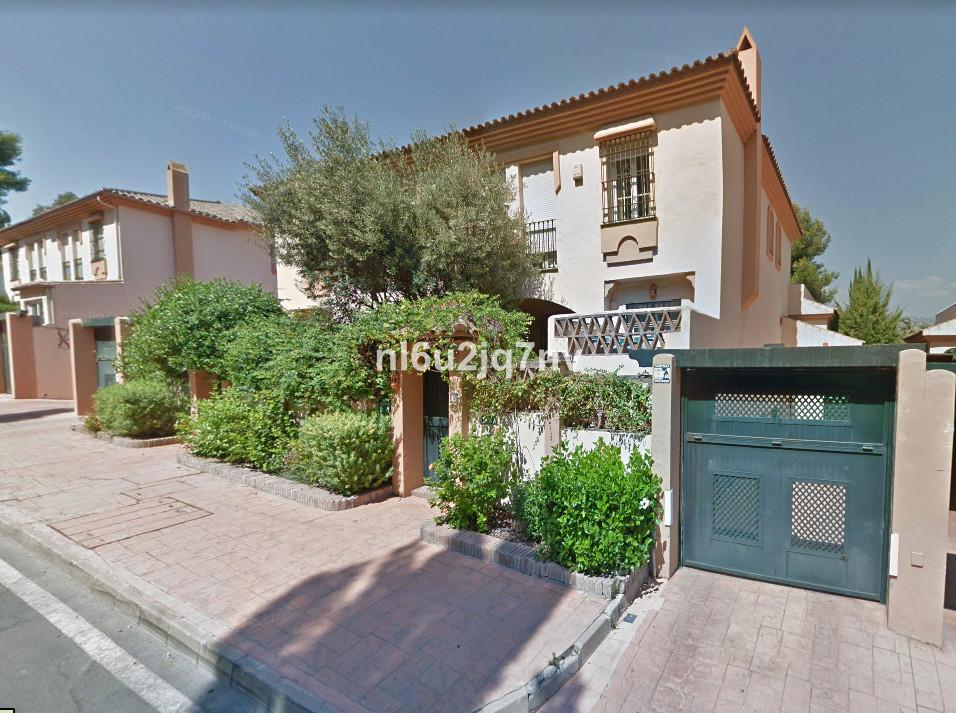Ref:R3224017 Villa - Semi Detached For Sale in Guadalmina Alta