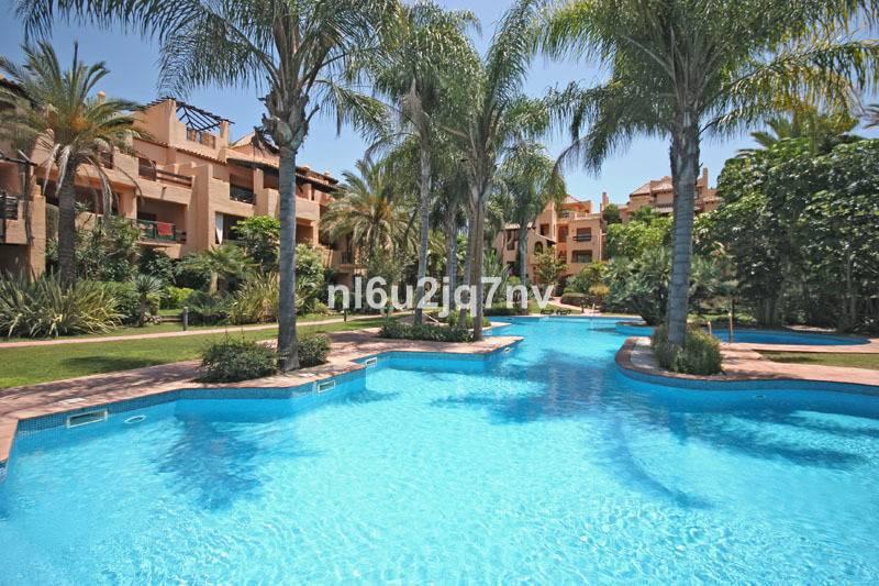 Ref:R2696717 Apartment - Penthouse For Sale in El Paraiso