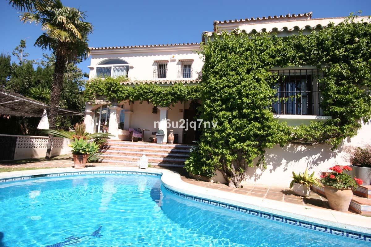 Ref:R2886107 Villa - Detached For Sale in Guadalmina Alta
