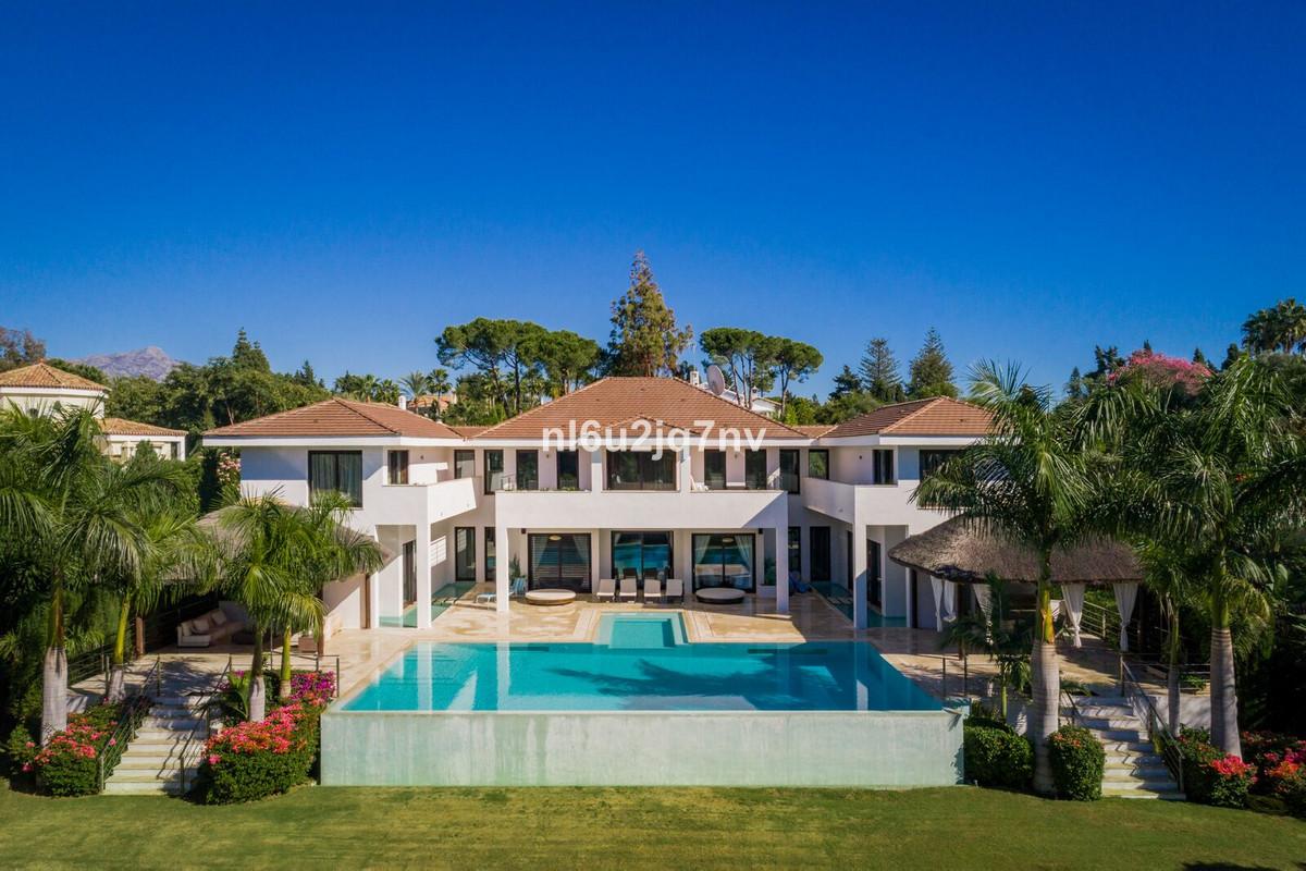Ref:R3252643 Villa - Detached For Sale in Guadalmina Baja