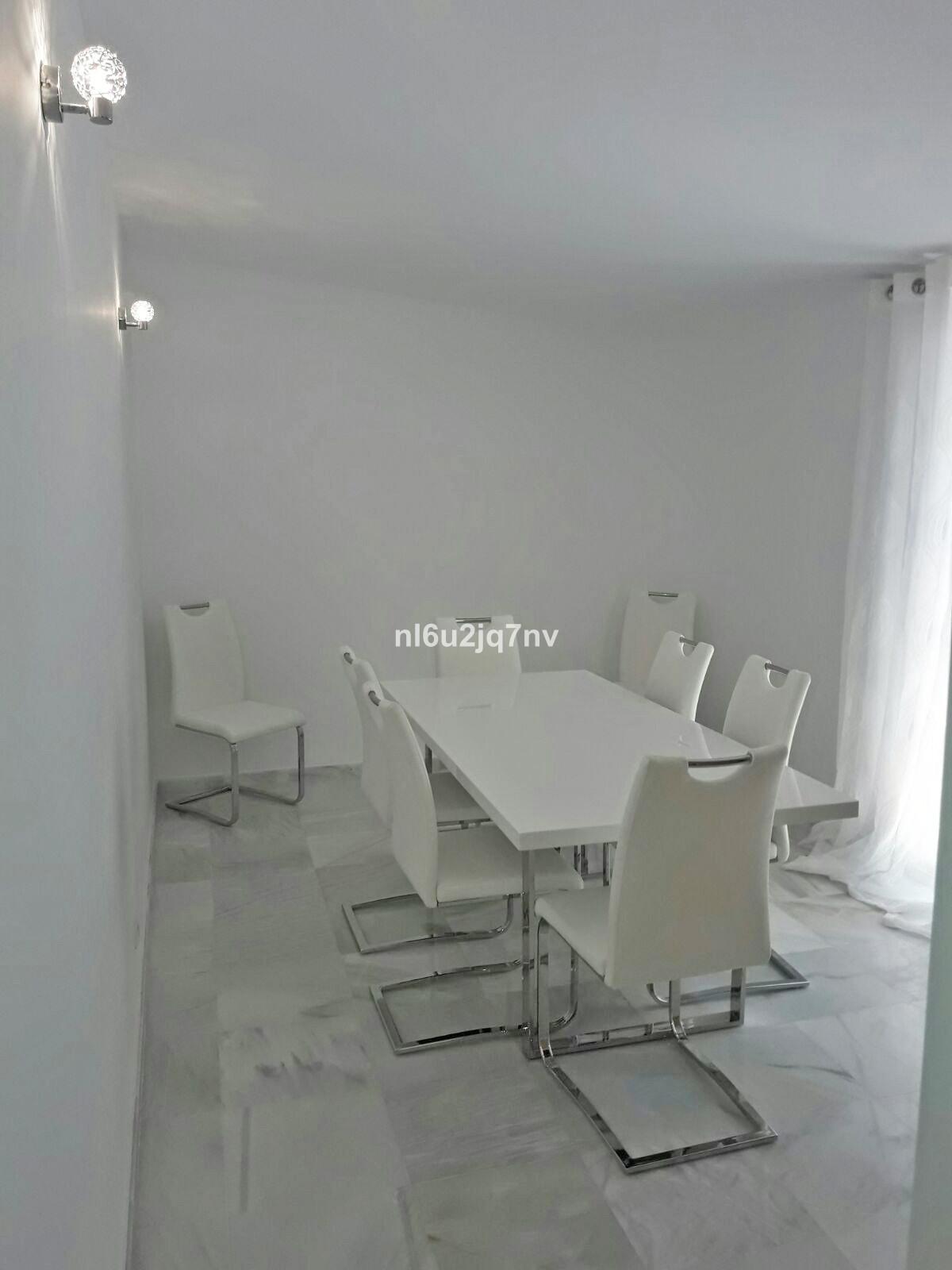 R2830475: Villa - Detached for sale in El Paraiso
