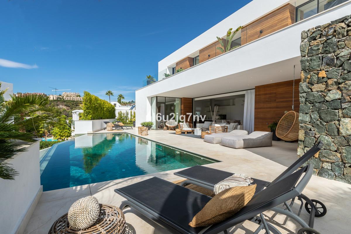 Ref:R3525070 Villa - Detached For Sale in La Quinta