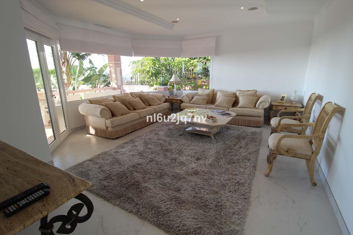 R2443787: Villa - Detached for sale in Los Flamingos