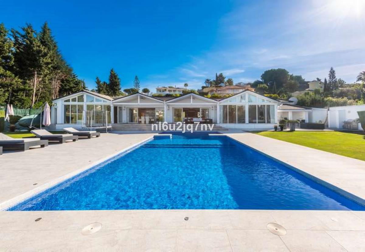 Ref:R3467374 Villa - Detached For Sale in El Paraiso