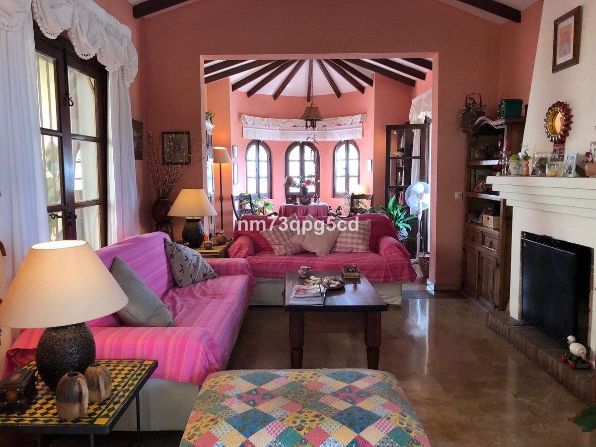 Ref:R3522391 Villa - Detached For Sale in Marbella