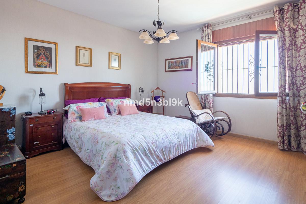 House in Alhaurín de la Torre R3856102 23