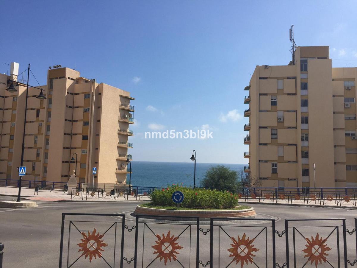 Lägenhet på mellanplan i Fuengirola R3115009
