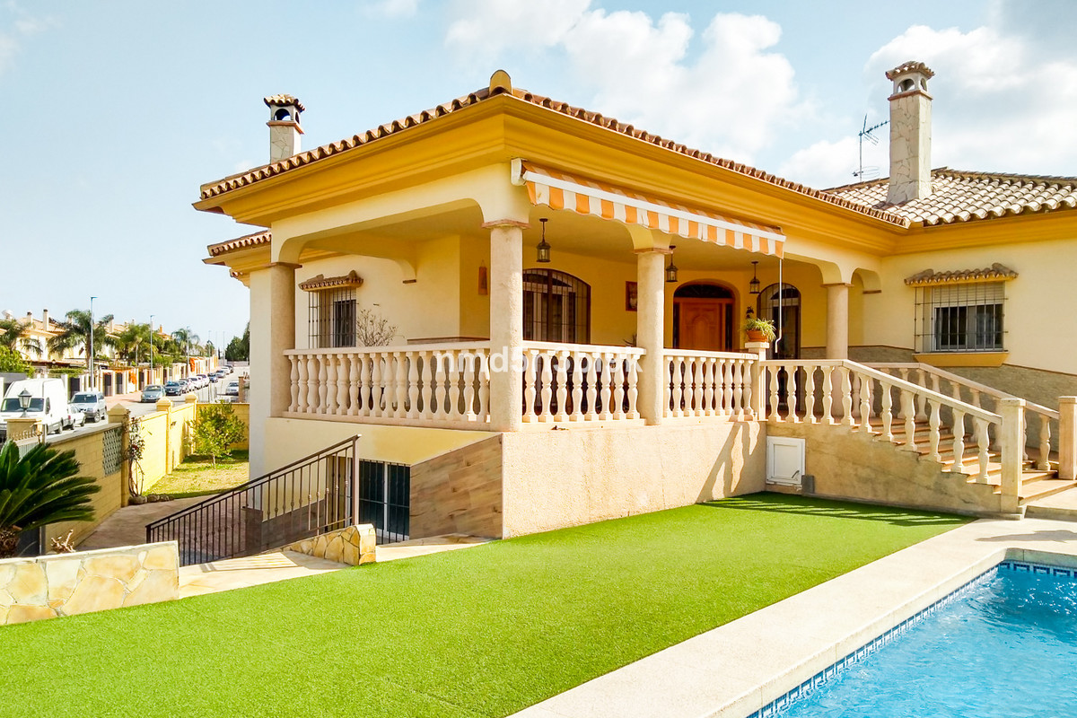 House in Alhaurín de la Torre R3477565 1