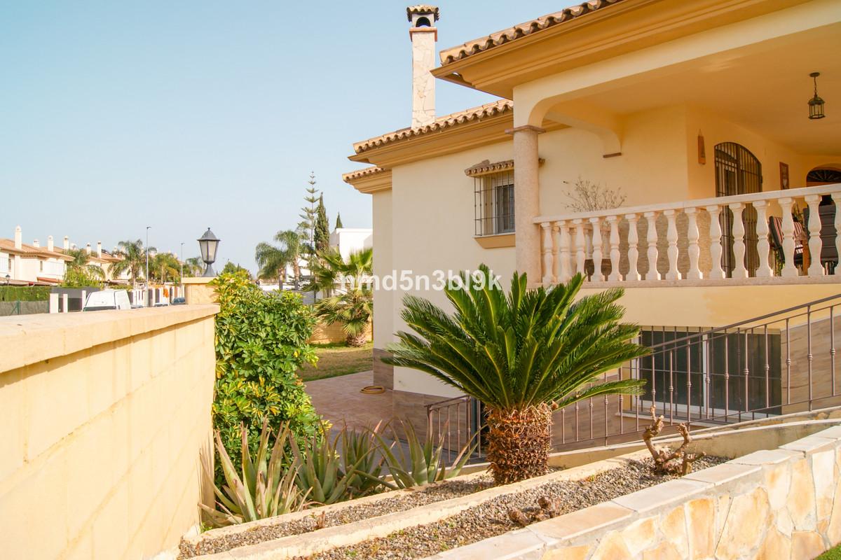 House in Alhaurín de la Torre R3477565 8