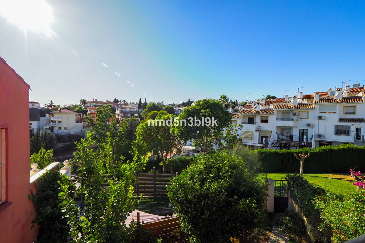 4 Bedroom Terraced Townhouse For Sale El Coto