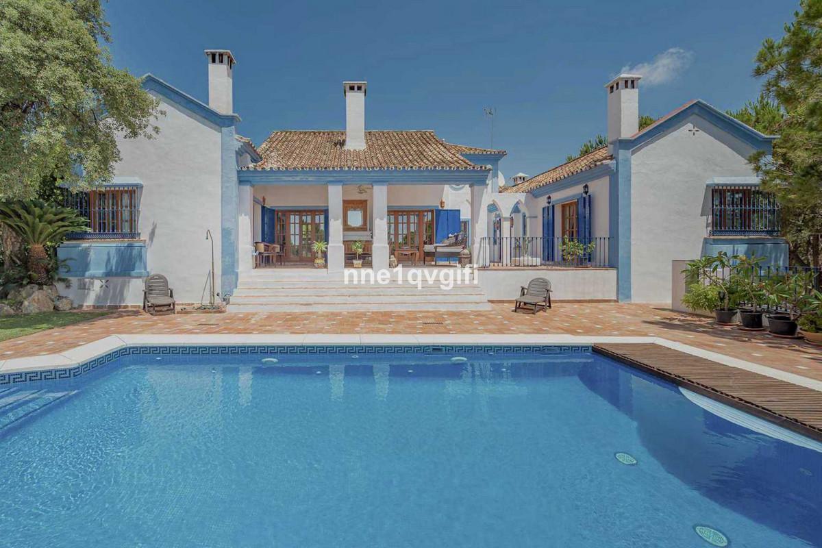 Detached Villa for sale in Benahavís R3893125