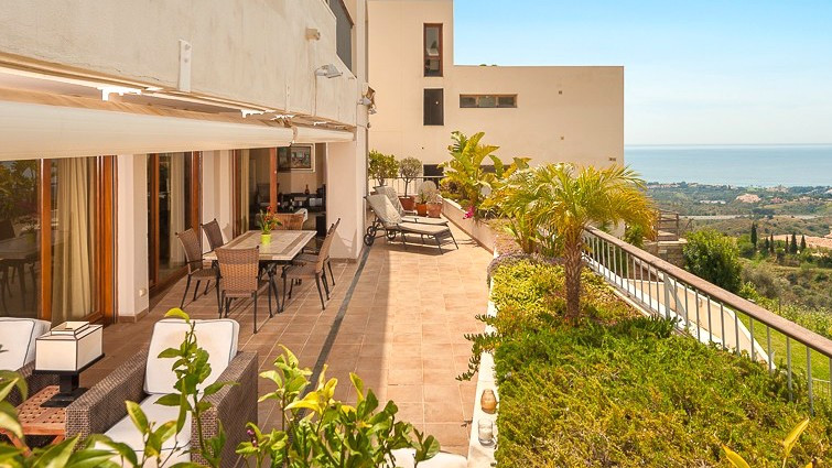 Ground Floor Apartment for sale in Los Monteros R3202348