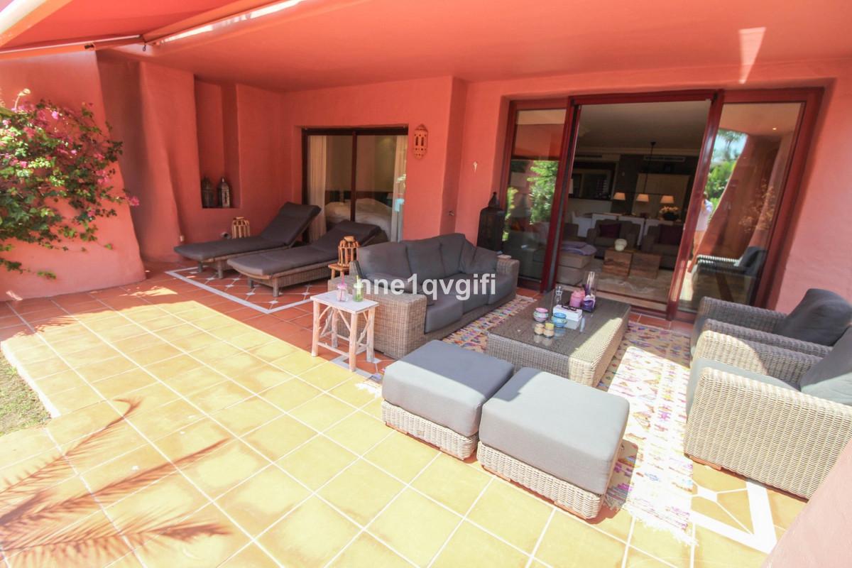 Stueetagelejlighed i Estepona R3261472
