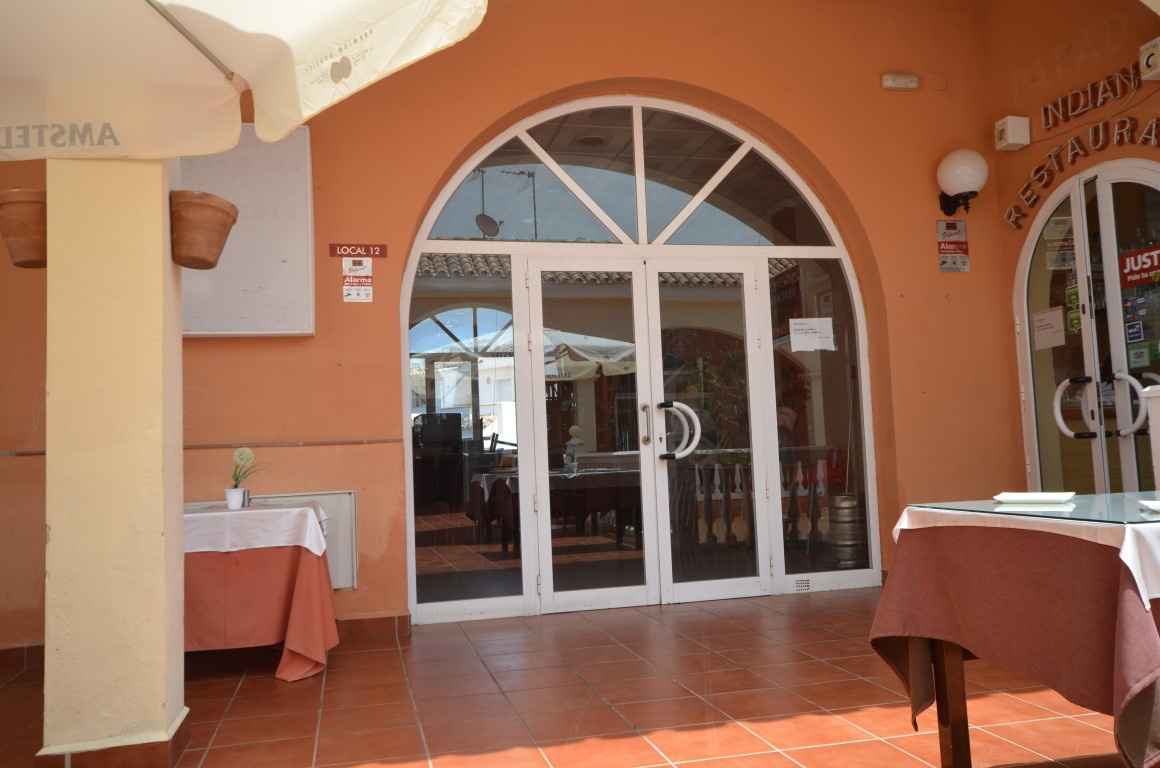 Comercial - Riviera Del Sol