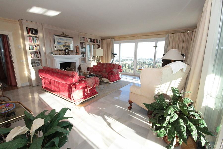 A DUPLEX Apartment with separate Studio apartment below                                      Monte H,Spain