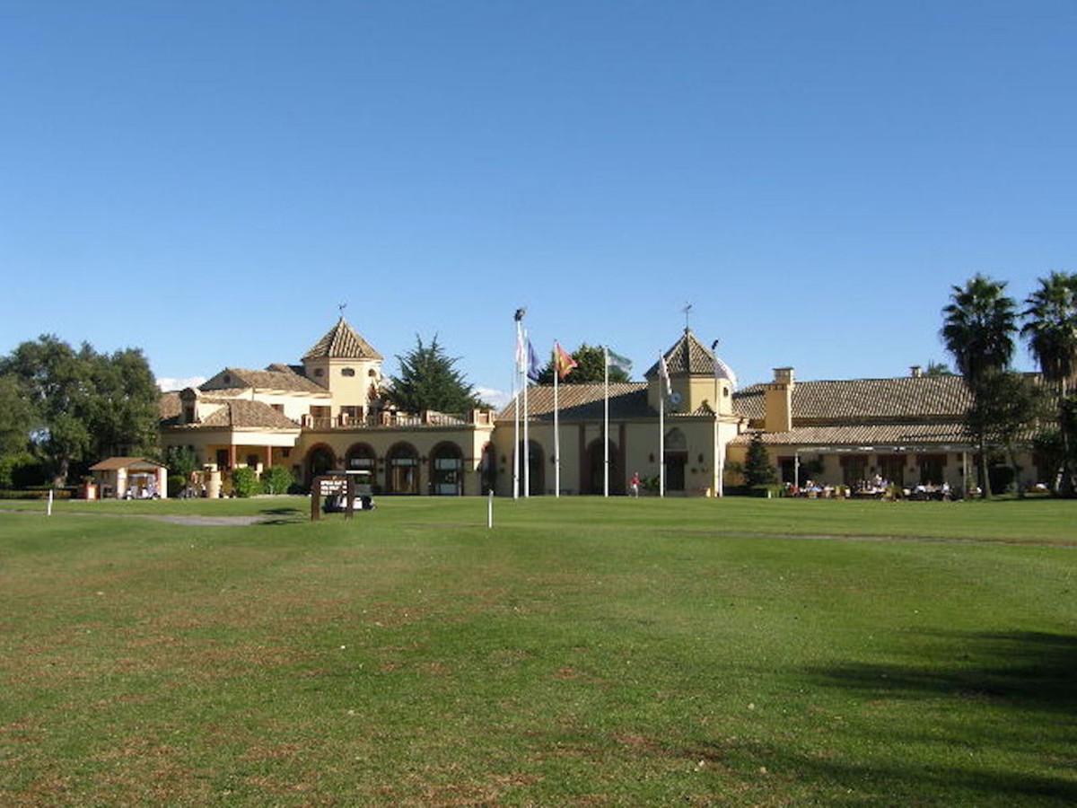 Land in San Roque Club