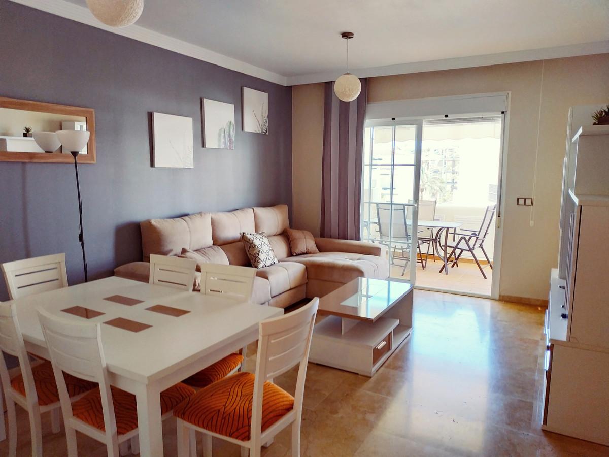 Apartamento con 2 Dormitorios en Venta San Luis de Sabinillas