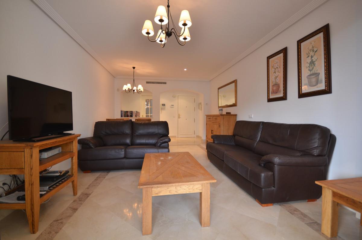 Middle Floor Apartment in Los Arqueros R3343375