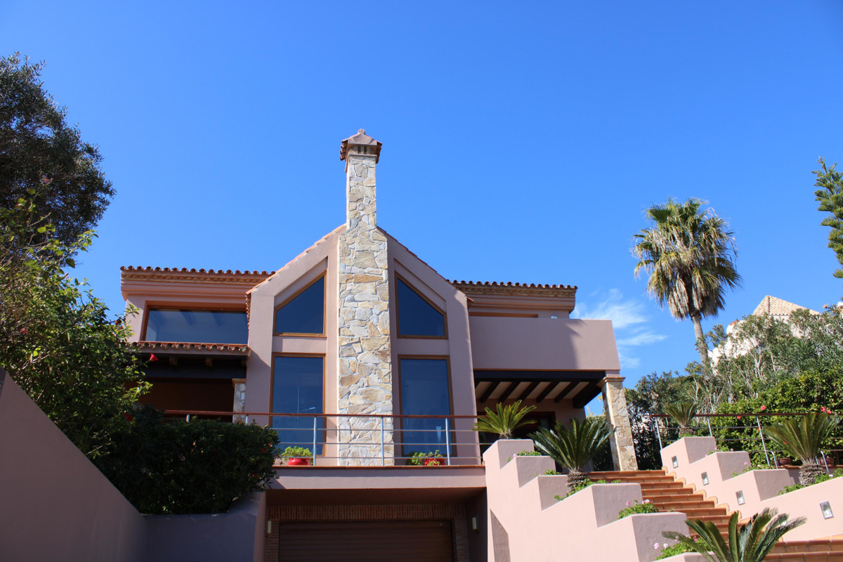 Fantastic Luxury Villa in Altos de Alcaidesa !!! - Semi-basement floor: Garage for four cars, room f,Spain
