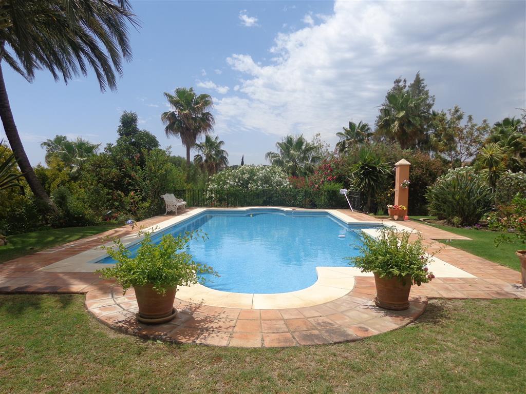 Sotogrande Alto: 5 bedroom 4 bathroom villa set within beautiful mature gardens, peaceful and privat,Spain