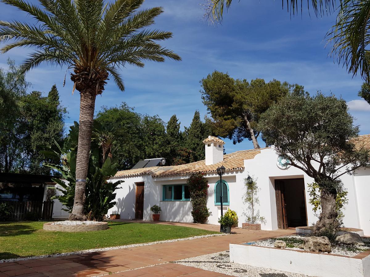 6 bedroom villa for sale marbella