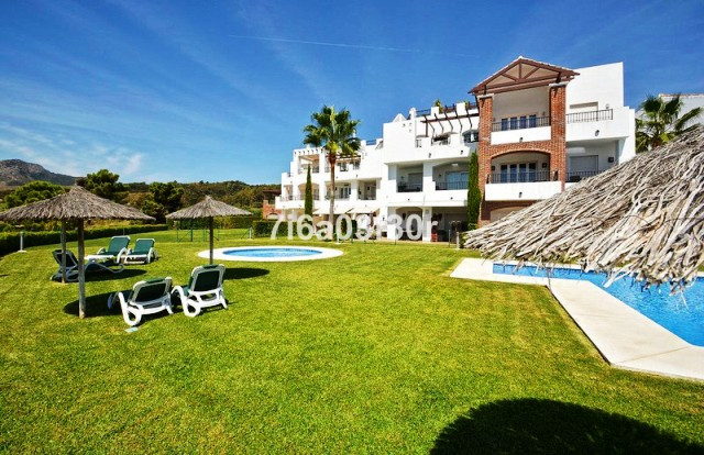 Stunning South Facing Garden Apartment with Panoramic Sea ,Lake and Golf Views. PROPERTY This fantas,Spain