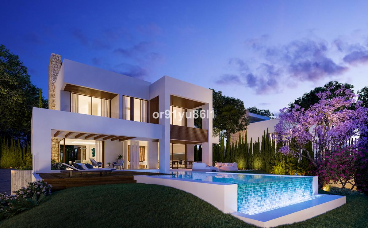 Detached Villa for sale in Marbella R3746302
