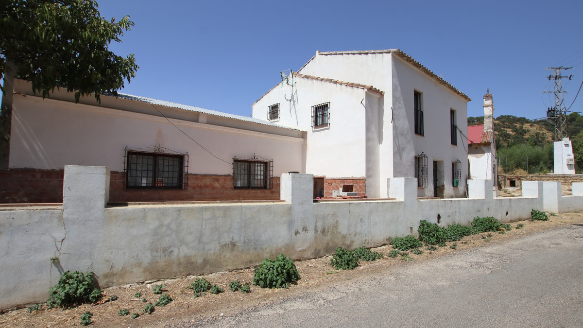 Villa Independiente 5 Dormitorio(s) en Venta Ronda