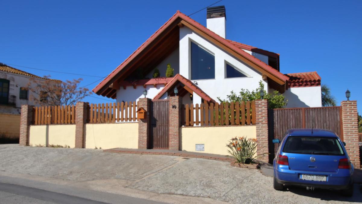 This villa is located at Avenida del Cuartel, 10, 29130, Alhaurin de la Torre, Malaga,  It is a vill,Spain