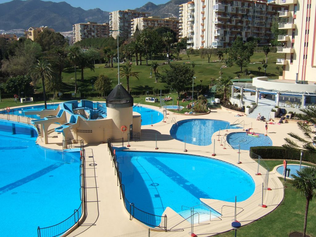 Nice Studio Suite Hotel, renovated, with American style kitchen, fully equipped, bathroom with tub a,Spain