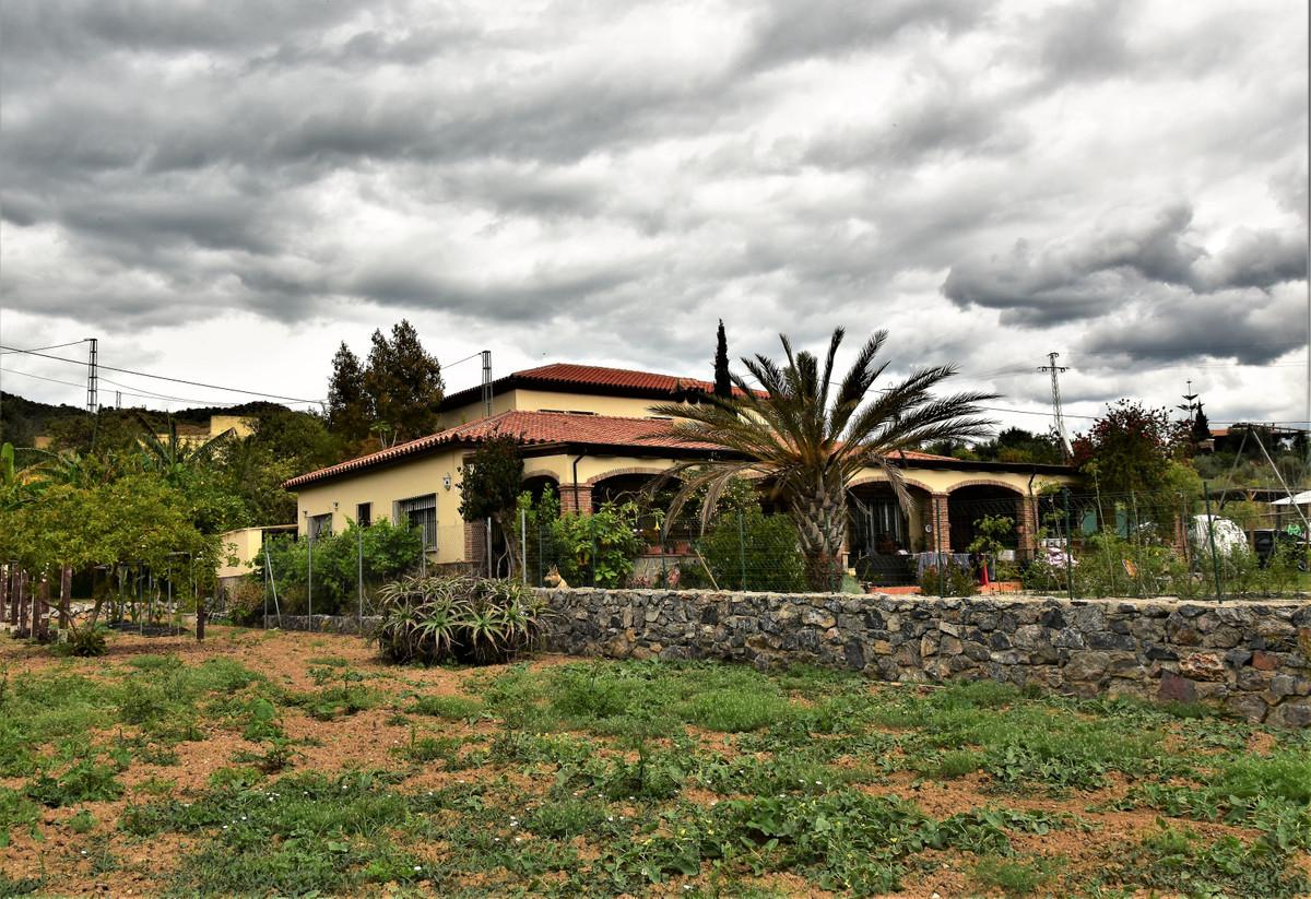 Nice Finca/Cortijo, Cartama, Costa del Sol. 6 Bedrooms, 5 Bathrooms, Built 385 m², Garden/Plot 16338,Spain