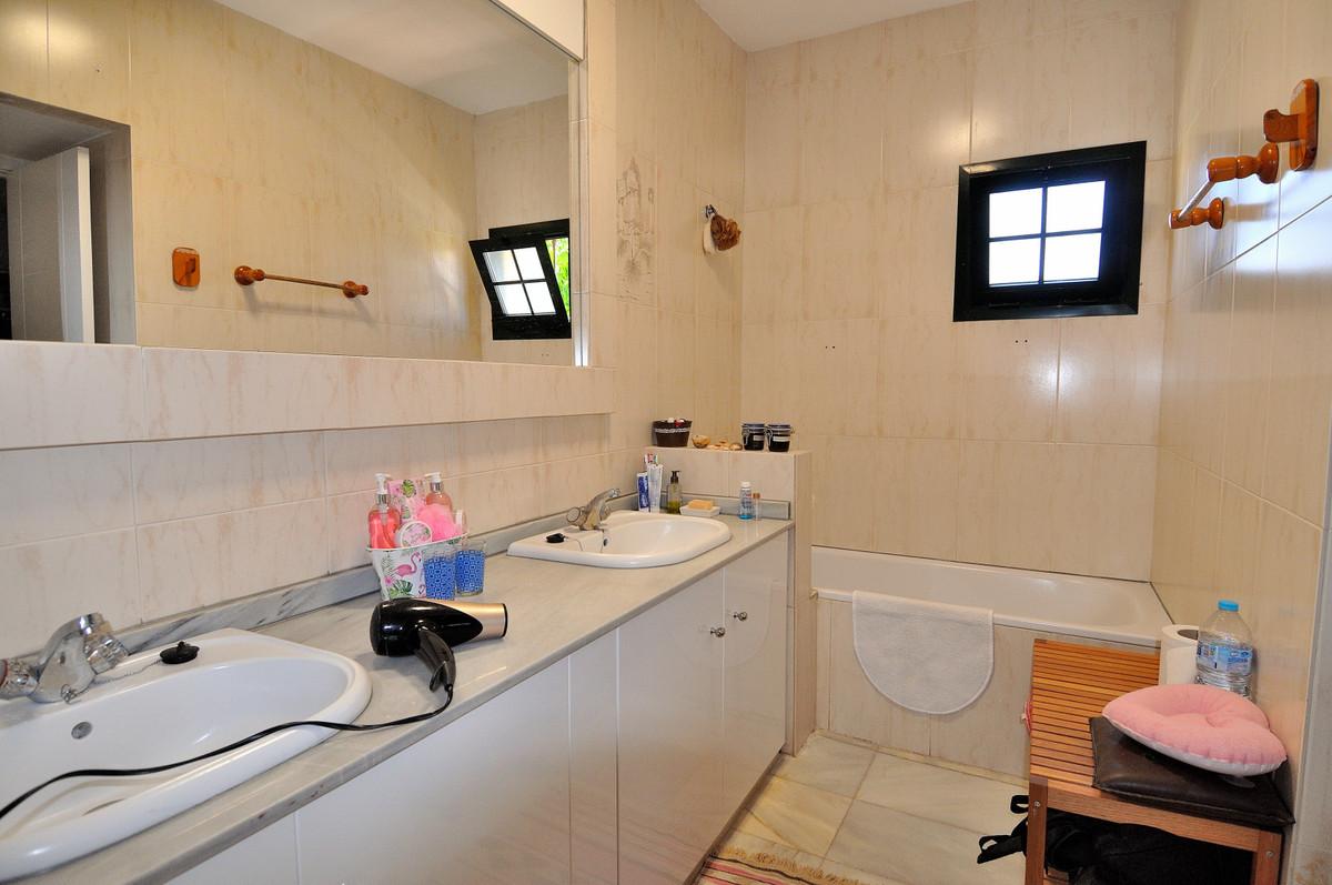 House in Alhaurín de la Torre R3857167 40