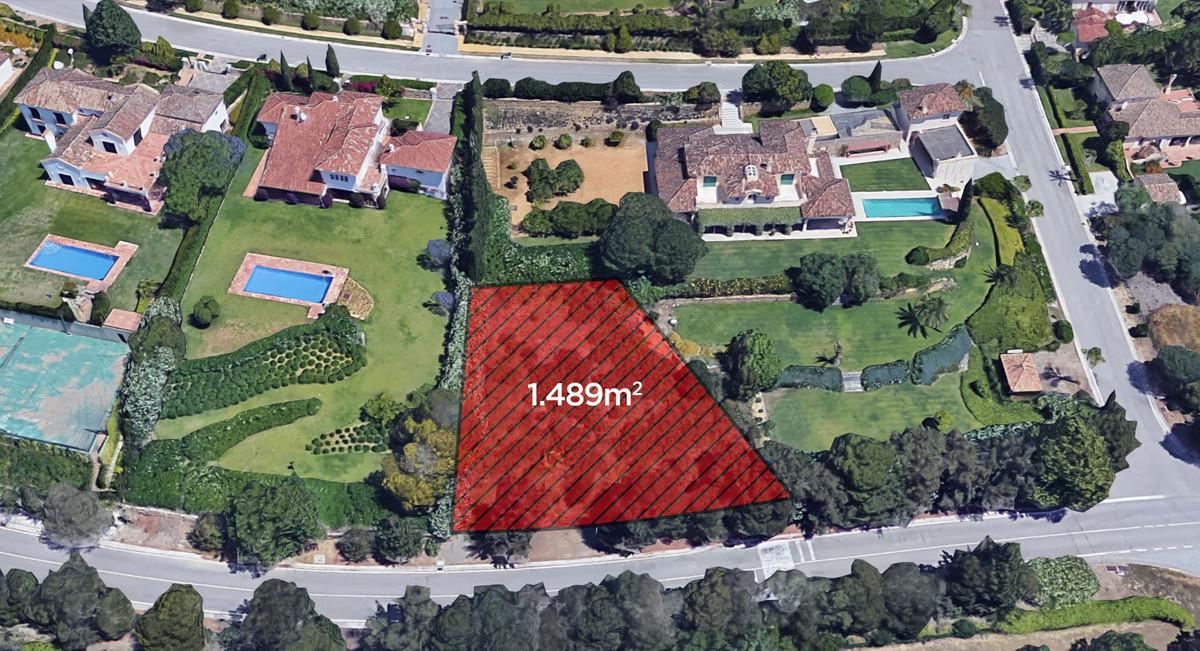 Plot for sale in Sotogrande. Regarding property dimensions, it has 1489 m² plot.,Spain