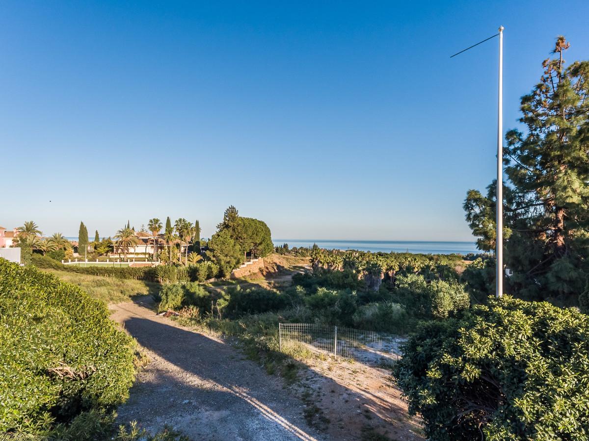 Plot for sale in Las Lomas del Marbella Club, Marbella Golden Mile. Regarding property dimensions, i,Spain