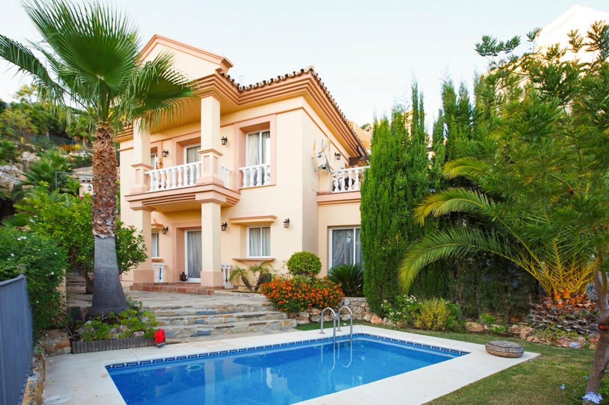 Villa Te Koop - Istan