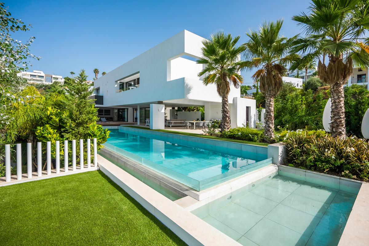 Freistehende Villa in Benahavís R3405283